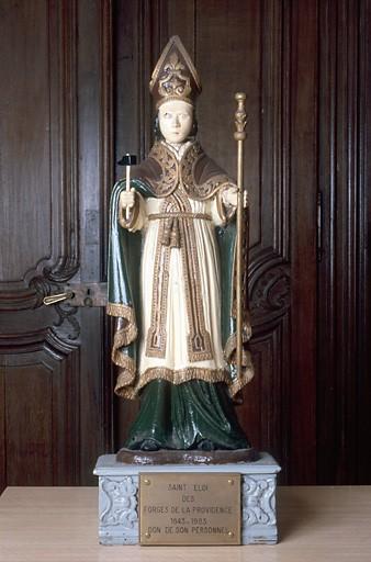Statue de procession : saint Eloi ; Presbytère ; Nord, Nord-Pas -de-Calais. Photographie de Pierre Thibaut