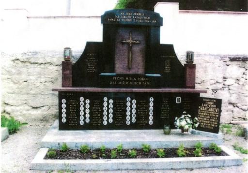 Mémorial des soldats de la Première Guerre Mondiale de Svitavka. Ci-dessous zoom sur la photo de Rudolk SEDLAK.