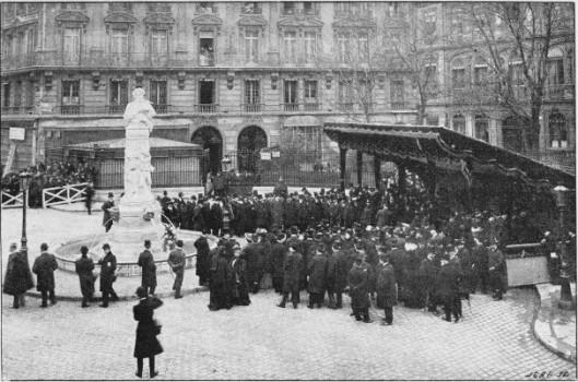 Inauguration du monument de Gavarni, place Saint-Georges<br /> Photographie de Bouffar, XIXème siècle, BnF
