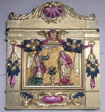 Bas reliefs Annonciation et Visitation