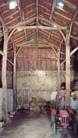 Grange-étable, Montcocu, Peyrilhac, crédit photo Philippe Rivière, Inventaire général ADAGP.