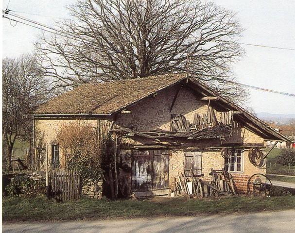 Atelier deCharron, commune deVeyrac, crédit photo,PhilippeRivière, inventaire général,ADAGP.
